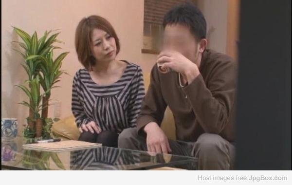 請問這位熟女是誰