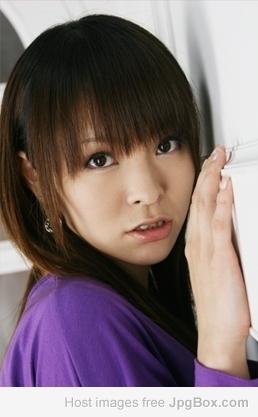 谁知道浅倉奈央有几部作品(或者她其他名字的作品)